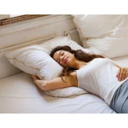 フォスフレイクス枕 クラシック&ロイヤーレ 枕のみ 大判2個セット (キ)ホワイト ※写真はハーフボディサイズ(80×80)です。