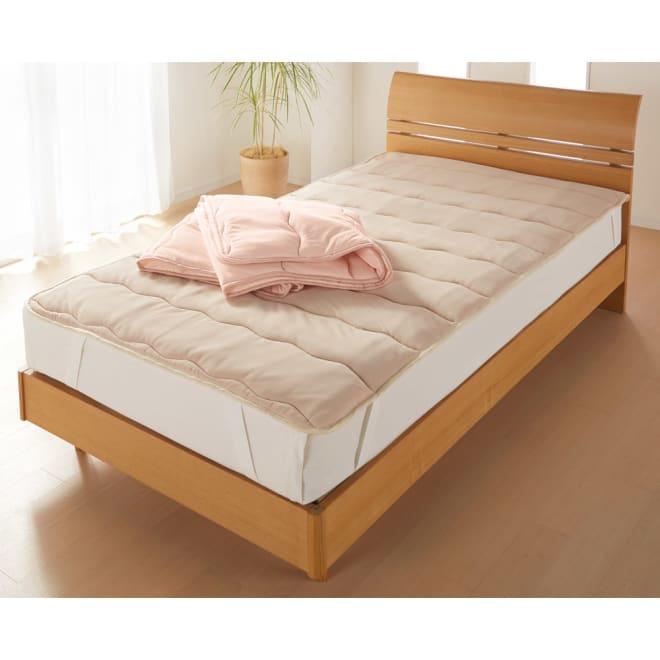 3M TM シンサレート TM 高機能中わた素材布団シリーズ 敷きパッド 上から(イ)ピンク、(ア)ベージュ 底冷えしにくい清潔敷きパッド