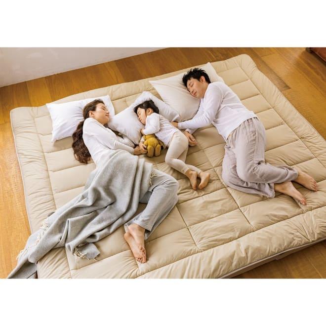 家族みんなで眠れる 抗菌コンパクト&ワイド ファミリー敷布団 幅160cm(2人用)(上層パッド下層マットセット)