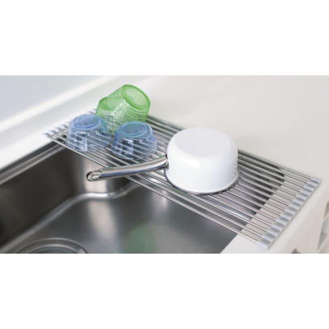 ステンレス製たためる水切り ハーフタイプ 奥行42cm 食洗機や大容量の水切りと併用される方や、ボウルや割れやすいグラスの洗い置き場にも重宝。
