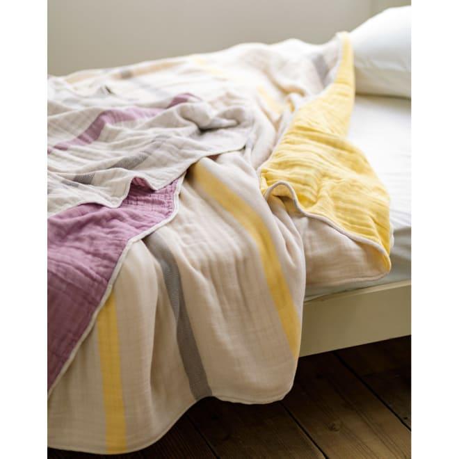 ふんわり とろける肌触り 魅惑の五重ガーゼケット 色が選べるお得なシングル2枚組 左から(イ)パープル (ア)イエロー Summer Blanket いま大注目の「浅野撚糸」発、感動のふわとろ感 ※写真は10回洗濯後の風合いです。