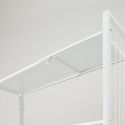幅・高さ伸縮!スチールローラック(棚4枚・幅伸縮61~89cm) 棚板は2枚が重なるようになっていて、幅の伸び縮みに対応します。