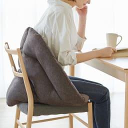 ホルンクッション 椅子の上でも使用可能。