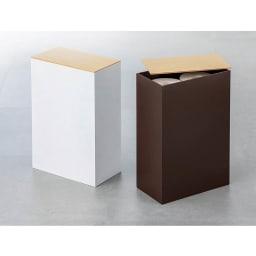 トイレットペーパーストッカー 左から(ア)ホワイト、(イ)ブラウン トイレットペーパー6個収納可。