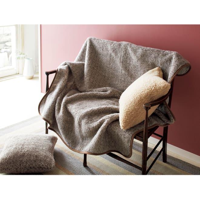 リトアニア「FLOKATI」社 洗えるウール100%シリーズ ソファカバー サンド ※写真は3人掛対応タイプです。