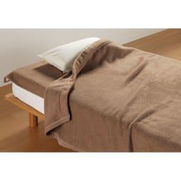 洗える 無染色ブラウンカシミヤ毛布(毛羽部) 掛け毛布 使用例 ※お届けは掛け毛布のみとなります