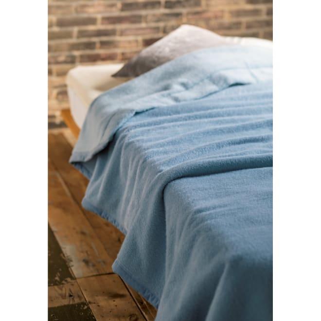 シルクのような光沢となめらかさ プレミアムベビーアルパカ 掛け毛布 (イ)グレイッシュブルー