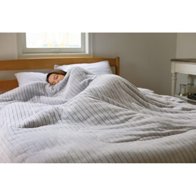暖かさと肌へのやさしさを考えたFUWARMシリーズ 中わた入り合わせ毛布 (ア)ライトグレー