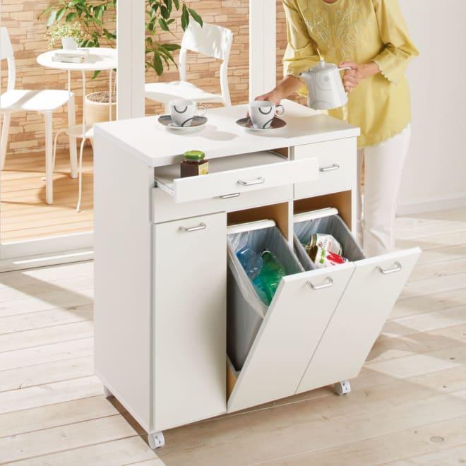 ふた開閉機能付きダストボックス 3分別横型ゴミ箱 (ア)ホワイト 便利なスライドテーブル付き。