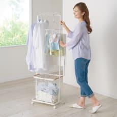 スムーズに洗濯物が干せる トスカ ランドリーハンガーカート