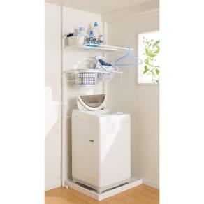 防水パンや梁があっても置ける。省スペース洗濯機ラック 棚1段バスケット2個 写真