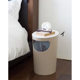 ENOTS くず入れサイドテーブル [I'mD/アイムディー] (イ)ベージュ コンパクトでインテリアになじむのでベッド横にも。