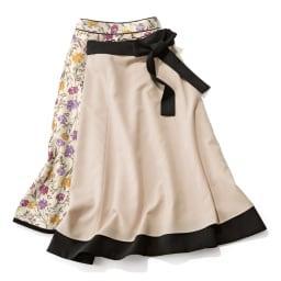 フラワー×無地プリント リバーシブル スカート 左から花柄面 無地面 Reversible