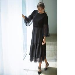 チュールレース リバーシブルスカート ジョーゼット面 広がりすぎないティアードが上品 コーディネート例