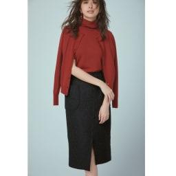 フランス生地 スリットデザイン スカート 品よくまとめた定番の組み合わせにドットの織り柄で大人の可愛さを コーディネート例