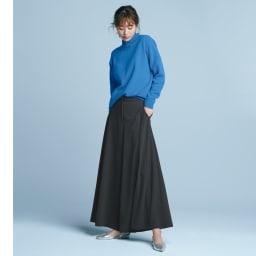 ニットジョーゼット フレアパンツ ゆるっとラフなのに洒落見え。素材のしなやかさが放つ優雅な装い コーディネート例
