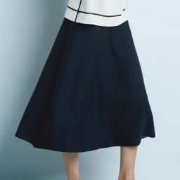 リバーシブル ニットスカート ネイビー面 コーディネート例