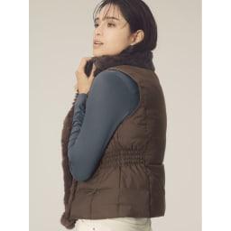 美デコルテ(R) テンセル混 長袖プルオーバー (オ)チャコールグレー コーディネート例