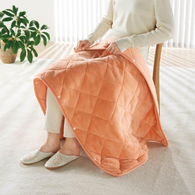 ヒートループ(R)DX ぬくぬくマルチケット (ア)オレンジ ぬくぬくマルチケット ボレロや巻きスカートのようにもアレンジできるボタン付き。手放せない暖かさです。