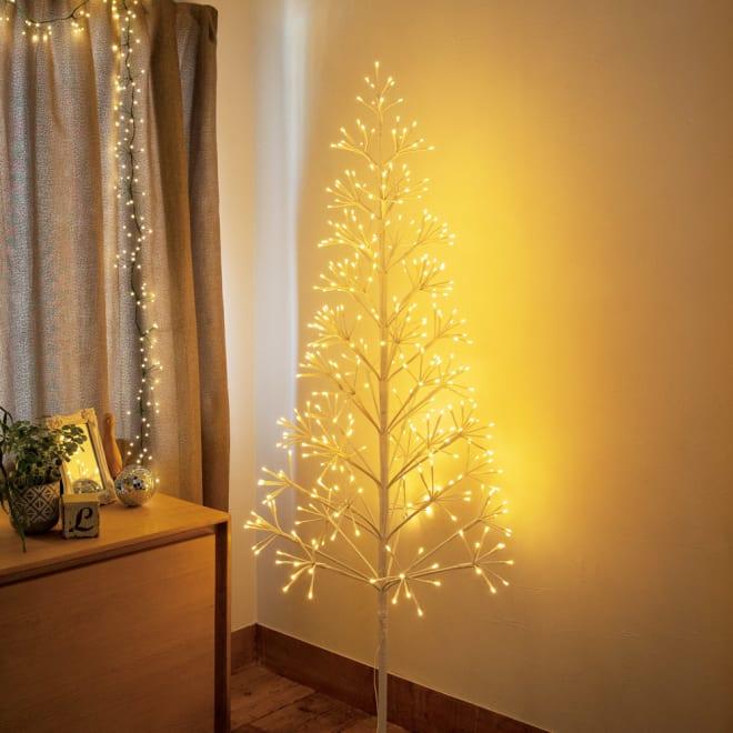 LEDクラスターシリーズ ツリー コーディネート例 ※写真のツリーはLサイズです。