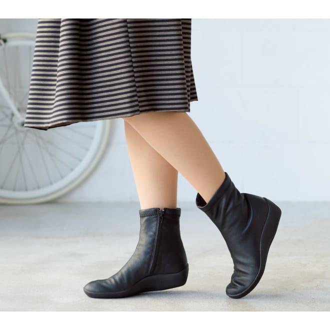 ARCOPEDICO/アルコペディコ ショートブーツ (ウ)ブラック表革風 本当に軽い履き心地が驚き!ブーツなのにスニーカー以上に走れそう。