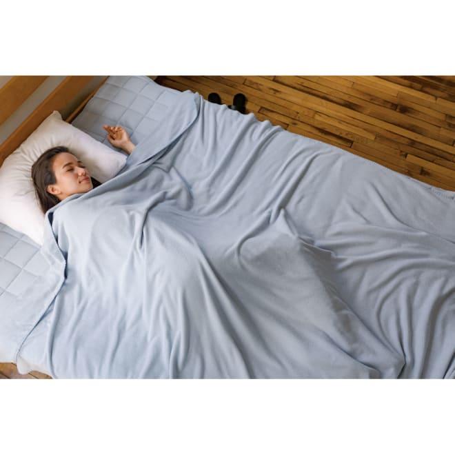 発熱するコットン「デオモイス」寝具シリーズ フランネルニットの2枚合わせ毛布 (イ)ブルー