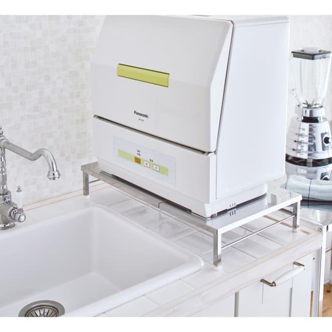 シンクの上に食器洗浄機が置ける幅伸縮ラック 使用イメージ