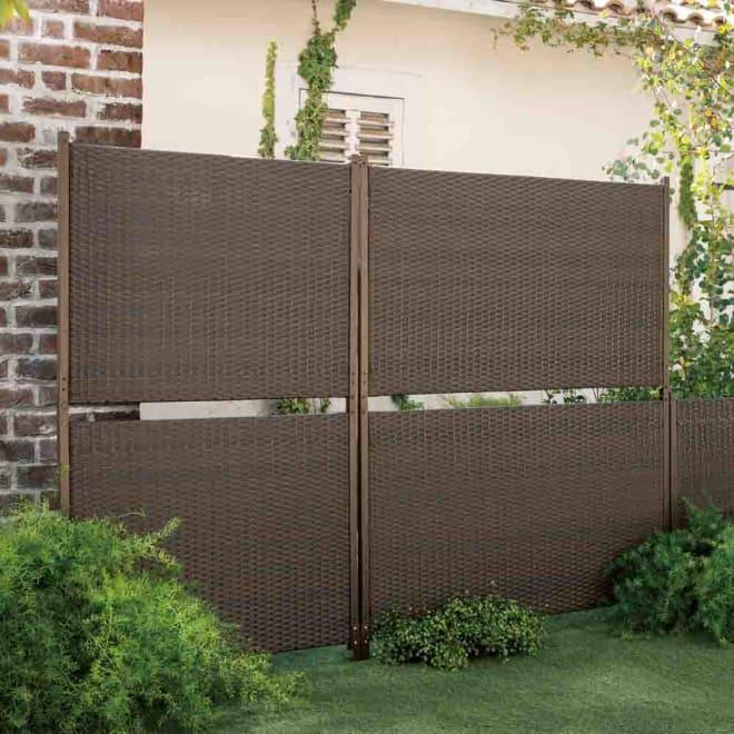 簡単リフォーム目隠しラタン調フェンス 幅90cm ハイタイプ 2枚組 お庭になじむラタン調で設置は挿し込むだけ。ハイは視線をしっかり遮り、ローは背景をやんわり目隠し。