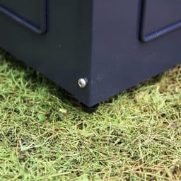 欧風トレリス付きプランターボックス〈ダークグレー〉 高さ161cm ボックス部にもデザインをあしらいました。