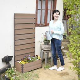 ハンギングできる人工木プランターボックス 高さ150 幅72
