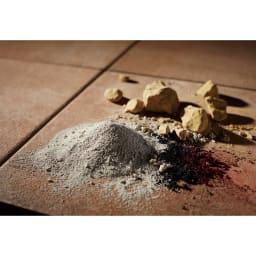 TOTO汚れにくいベランダマット お得な同色30枚組 粘土や長石など厳選された素材を1000度の高熱の窯で焼き上げられた陶磁器タイル。