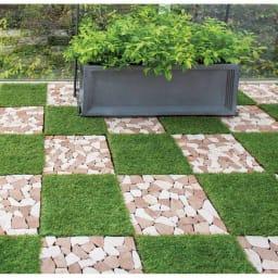 ジョイント式マット ストーン お得な20枚組 (使用例)シリーズのジョイント式人工芝と組み合わせて市松模様にしても。