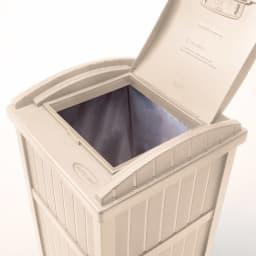 米国SUNCAST社 ダストボックス ゴミ袋はフタできちんと隠せます。