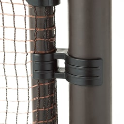 全長20m!お手軽フェンス&ゲート ゲート付フェンス ゲートは支柱にカチッとはめられて、風で開きにくい構造。好きな場所に設置できます。