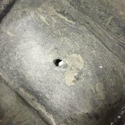 カゴ型プランター 水抜き穴があいています。