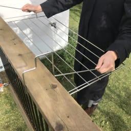 スタイリッシュなのに大容量!ステンレス製ベランダタオルハンガー 柵にかけるだけの簡単設置。