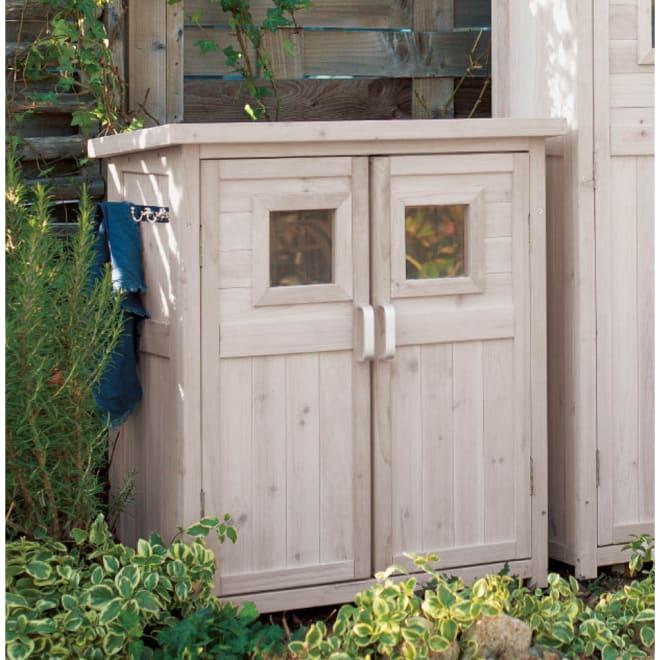 木製薄型収納庫 高さ92cm (ア)ホワイトウォッシュ 使用イメージ ※ホワイトウォッシュは、木目を活かした淡い塗装仕上げです。