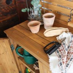 木製棚付き収納庫幅80cm