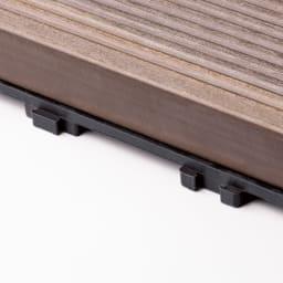 グランドデッキパネル 4枚 30×30 目立っていた連結部分は、隙間が気にならないわずか3mm。縦と横の連結も可能です。