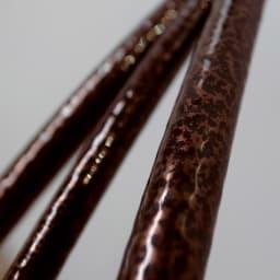 ハーフアーチ 1個 (ア)ブラウンとブラックの混ざった、ニュアンスある色み。