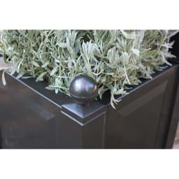ドイツKHW社製 プランター付きアーチ 植物が素敵に映えるシンプルなボックス。
