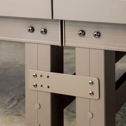 人工木デッキ 180×180セット デッキ同士やステップとの連結は専用金具で簡単。