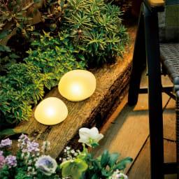 LEDソーラーストーンライト 1個