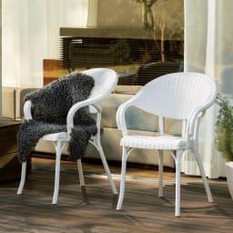 ホワイトクラシカル3点セット(テーブル×1、チェア2脚組) チェア2脚組:幅58奥行58高さ84座部高44cm