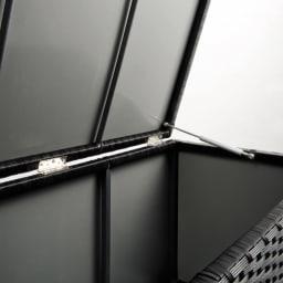 ラタン調コンパクトシリーズ〈ライトグレー〉 薄型ベンチ幅60 全面裏側がポリプロピレン貼りで雨が入りにくい仕様。※画像はウィッカーの色が異なります。お届けはグレーです。