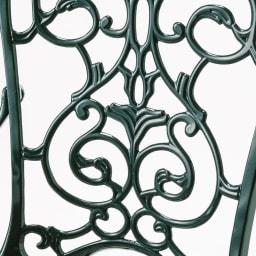 グラシュプレミアムシリーズ チェア 重厚な表情に耐久性を兼ね備えたアルミ鋳物。