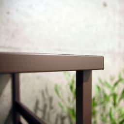 ボンデ鋼板逆ルーバー室外機カバー 2段用 ちょっとひさしの出た天板は、室外機の痛みを防ぐ効果も。