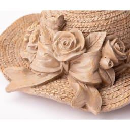 麦わら帽子プランター (イ)ブラウン 樹脂で麦わらの風合いを再現。
