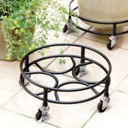 頑丈アイアンキャスター付き鉢台 径42cm・お得な2個組 使用イメージ (※写真は径35cmタイプです。)