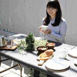 折りたたみ作業台シリーズ テーブル ラタン調 使用イメージ